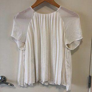 3/$30 ✨Zara White Pleated Blouse Short Sleeves